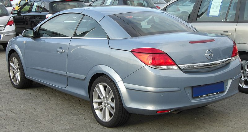 800px-Opel_Astra_TwinTop